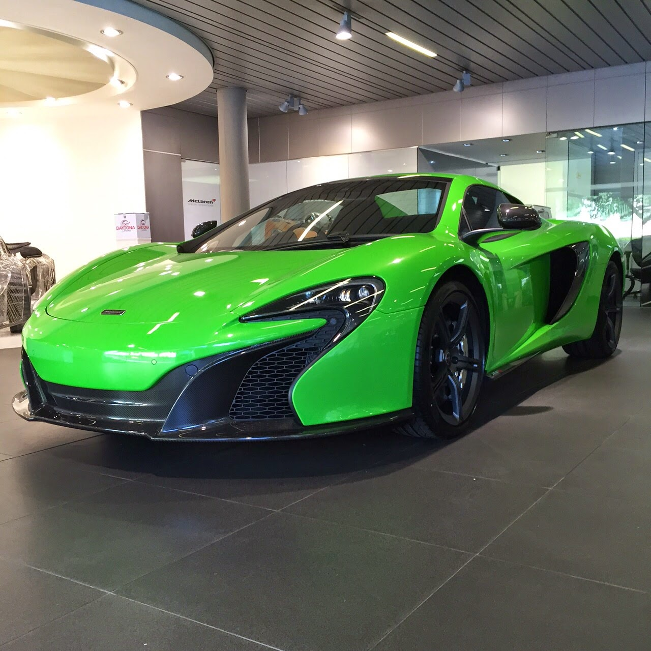 Mantis Green McLaren 650S Spider At Daytona Group