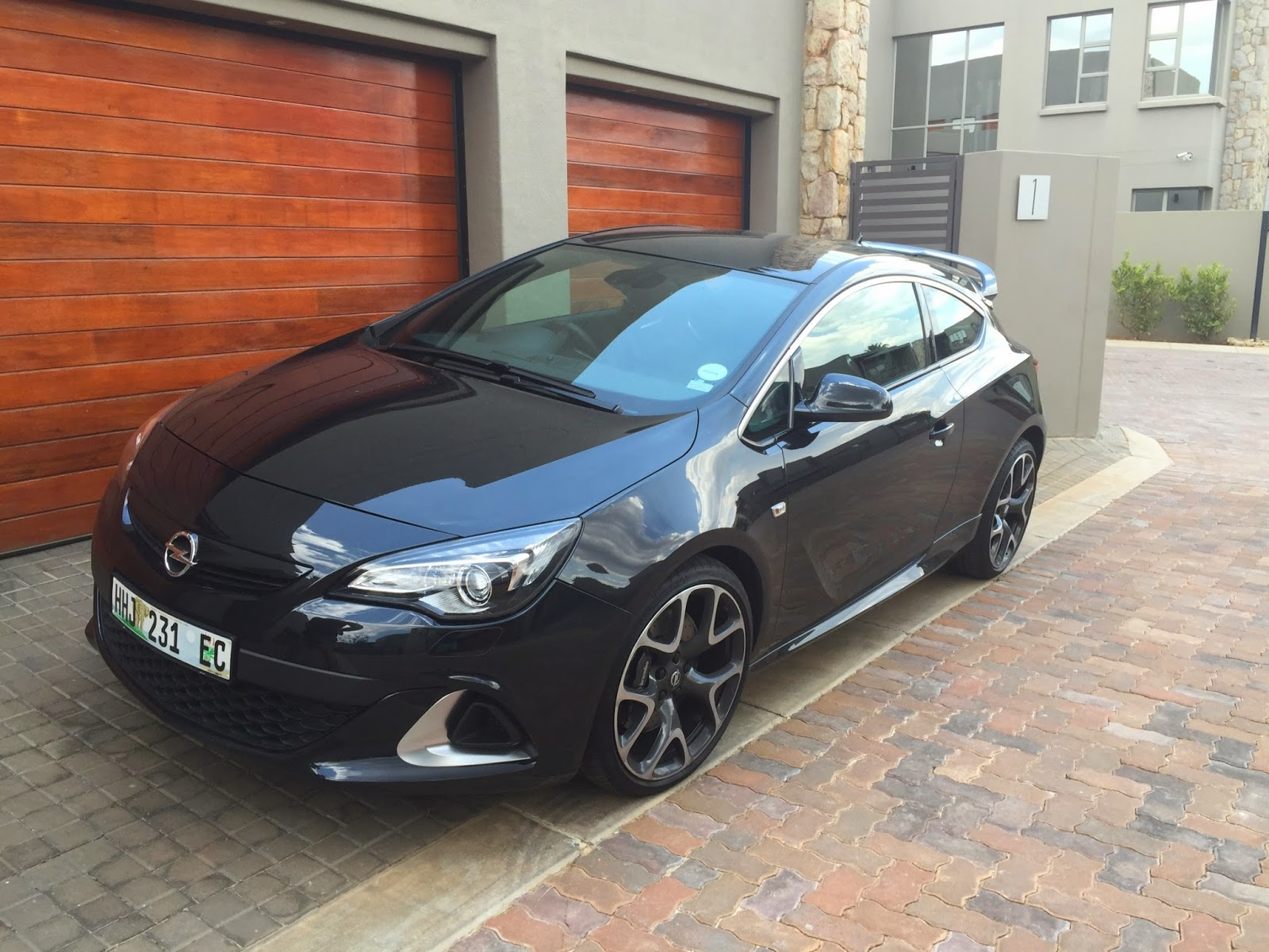 driven opel astra opc. Black Bedroom Furniture Sets. Home Design Ideas