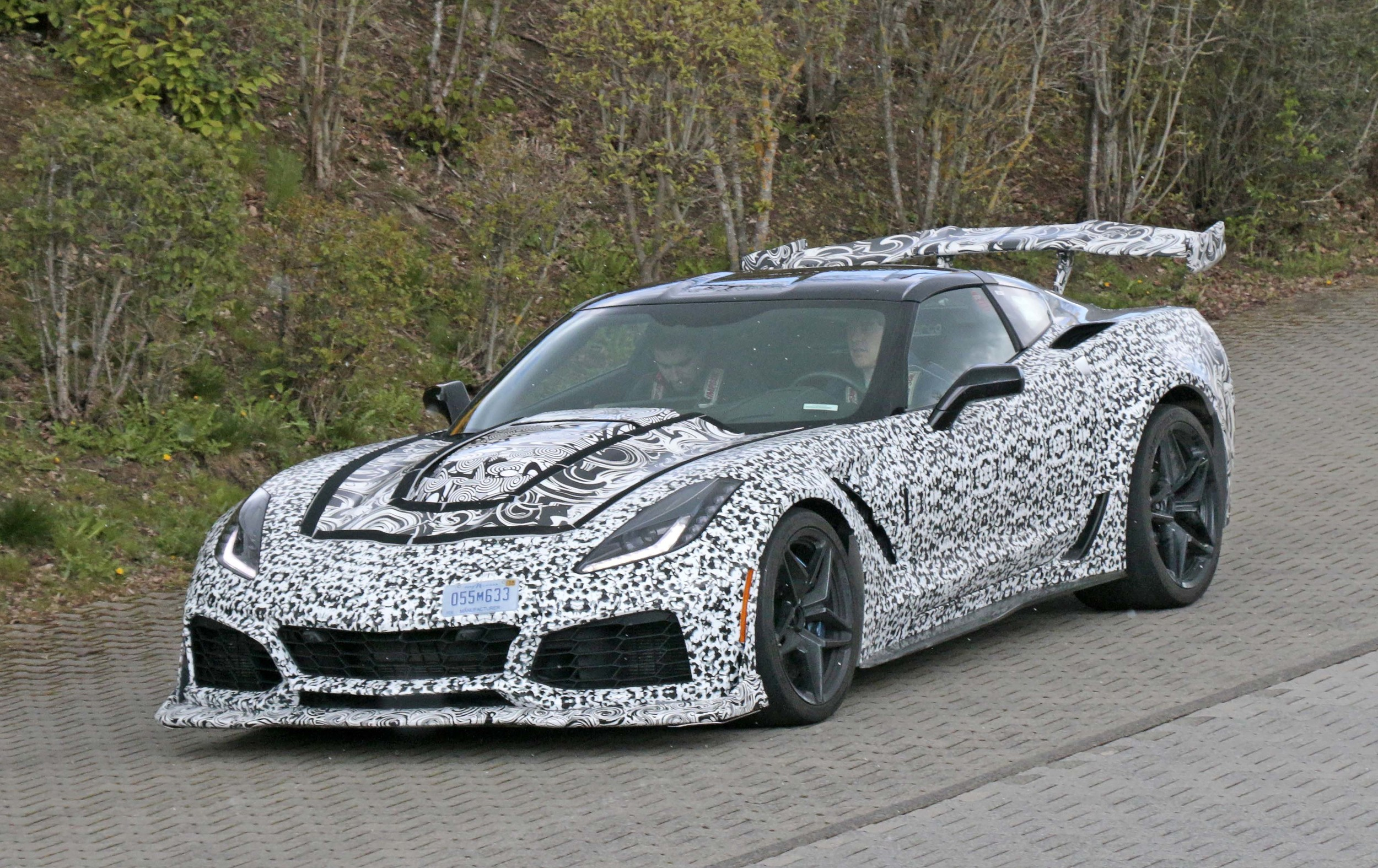 corvette zr1 spotted testing with insane rear wing