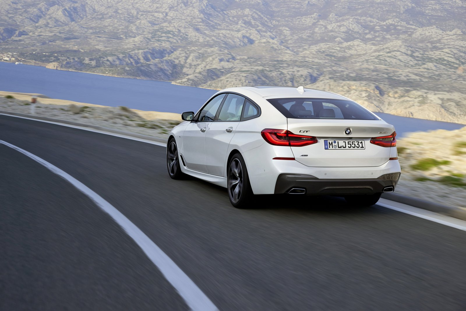 bmw 6 series gran turismo is much better looking than the 5. Black Bedroom Furniture Sets. Home Design Ideas