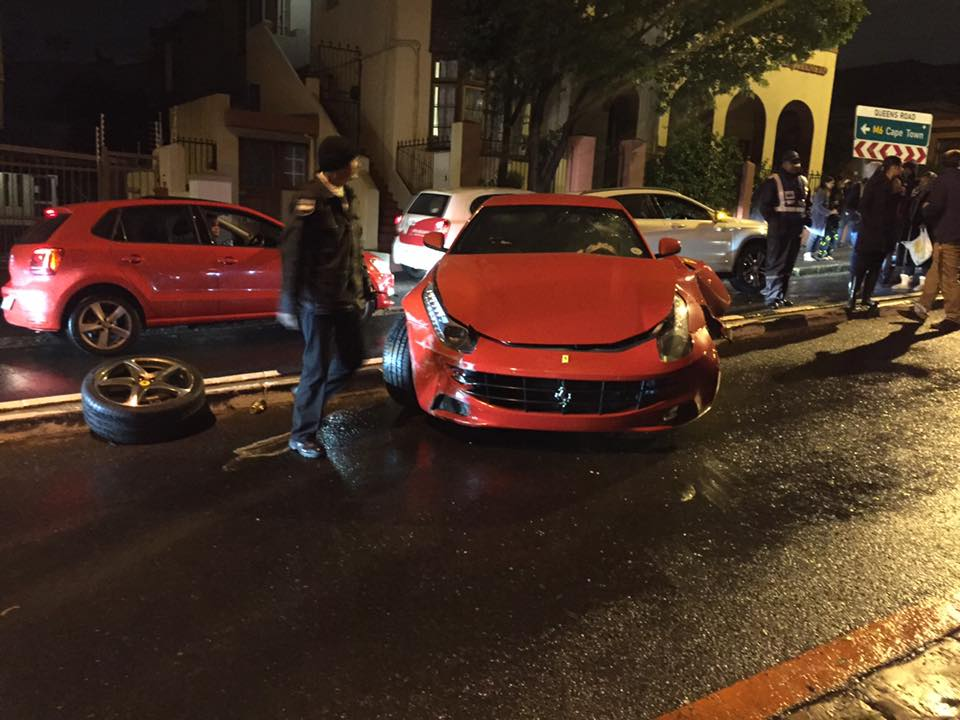 Ferrari Ff Loses Front Wheel After Crashing On Wet Roads