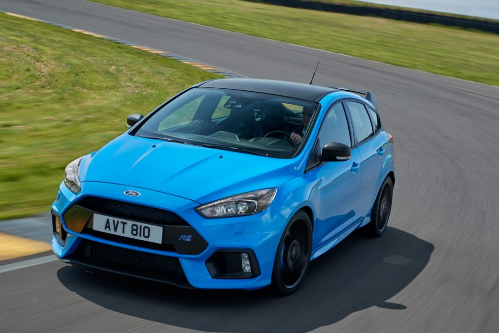 ford focus rs new option pack includes limited slip diff. Black Bedroom Furniture Sets. Home Design Ideas