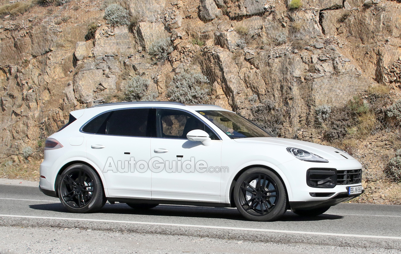2018 porsche cayenne spied sporting new front end. Black Bedroom Furniture Sets. Home Design Ideas