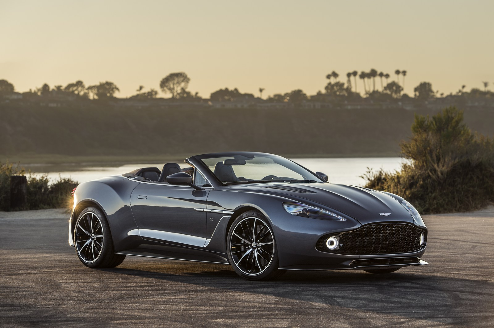 sexy aston martin vanquish zagato speedster revealed with shooting brake on the way. Black Bedroom Furniture Sets. Home Design Ideas