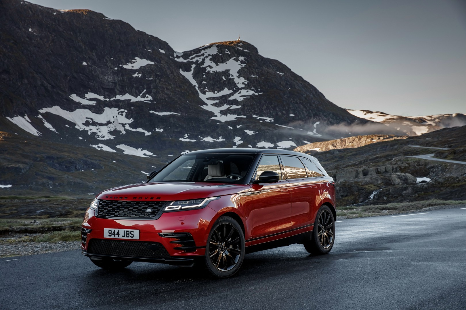 range rover velar order books open with south african pricing. Black Bedroom Furniture Sets. Home Design Ideas