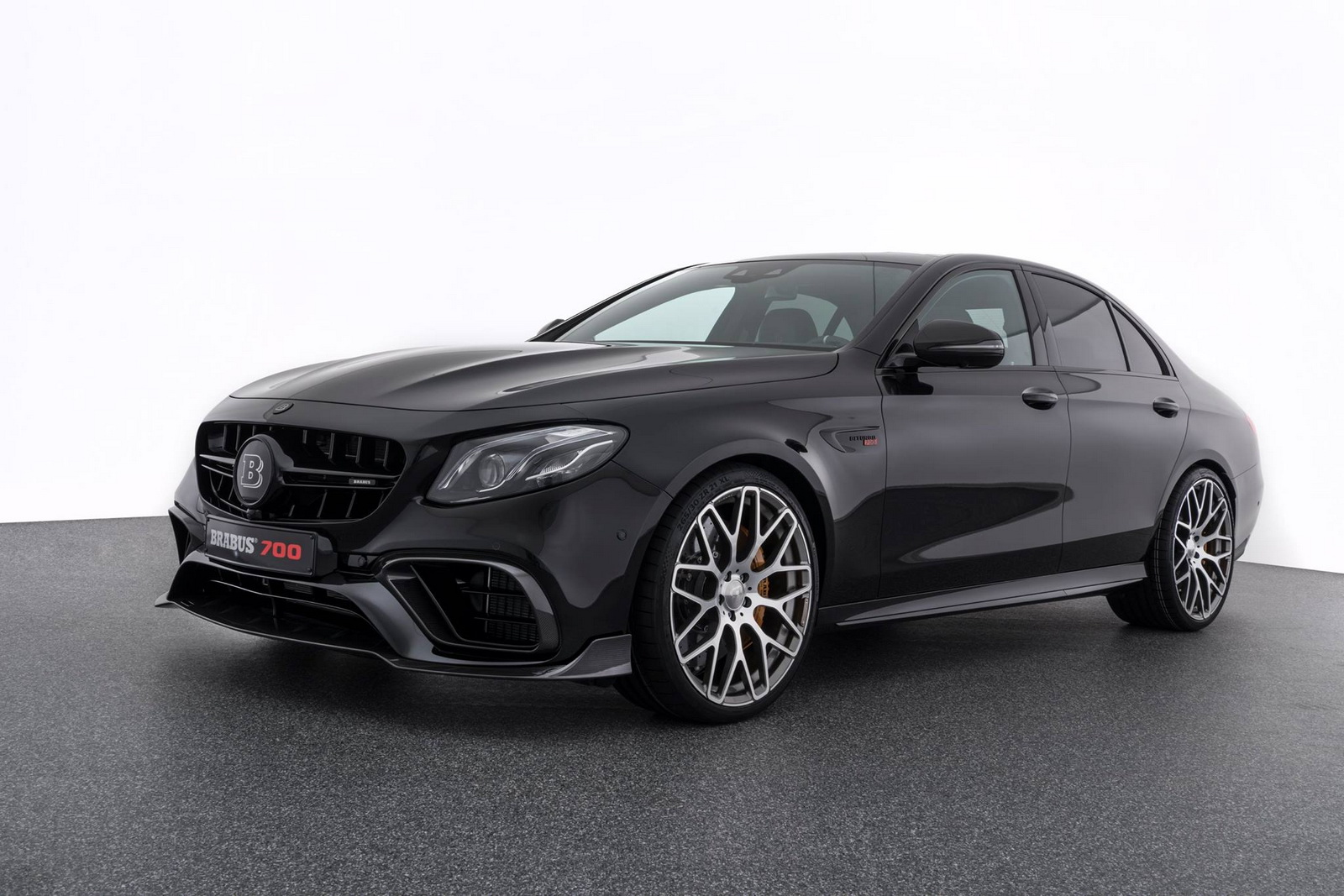 brabus 700 makes the angry mercedes amg e63 s even angrier. Black Bedroom Furniture Sets. Home Design Ideas