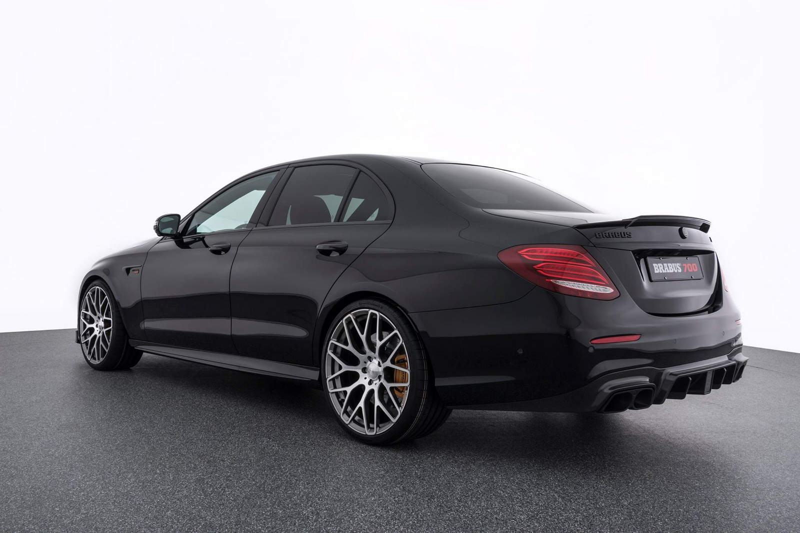 Brabus 700 Makes The Angry Mercedes Amg E63 S Even Angrier