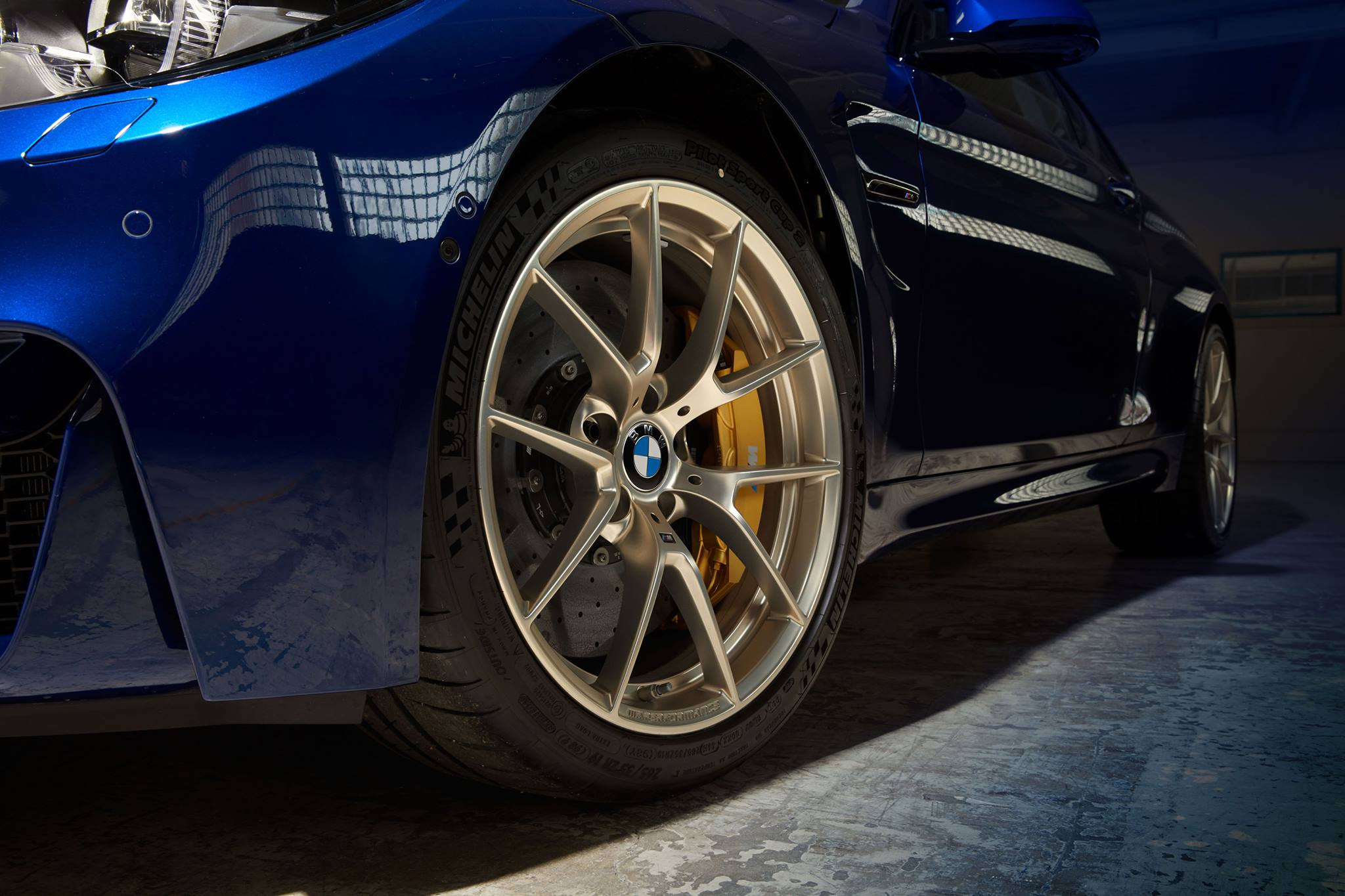 bmw now offering style 763m wheels in gold for m2 m3 and m4. Black Bedroom Furniture Sets. Home Design Ideas