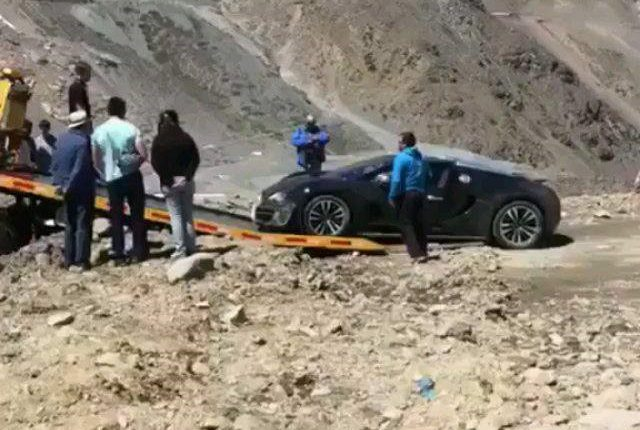 bugatti veyron grand sport vitesse crashes in andean mountains. Black Bedroom Furniture Sets. Home Design Ideas