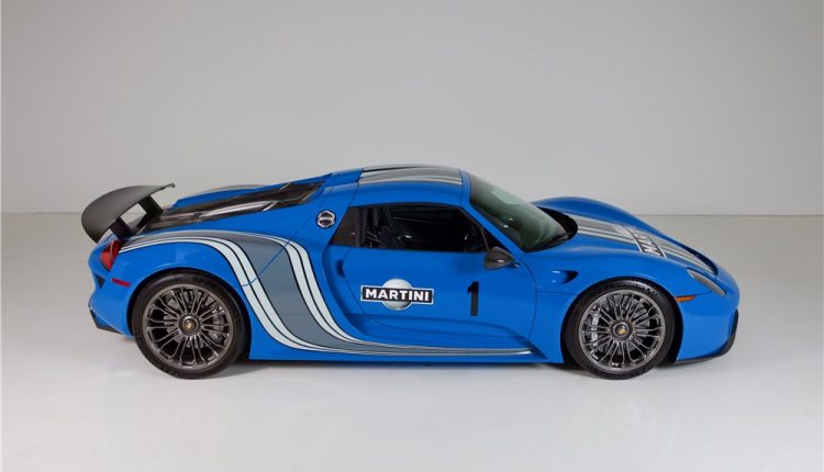 the only voodoo blue porsche 918 spyder heading to auction. Black Bedroom Furniture Sets. Home Design Ideas