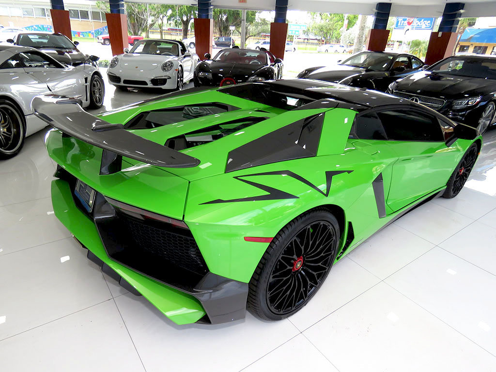 Verde Mantis Lamborghini Aventador Sv Roadster Is A Thing