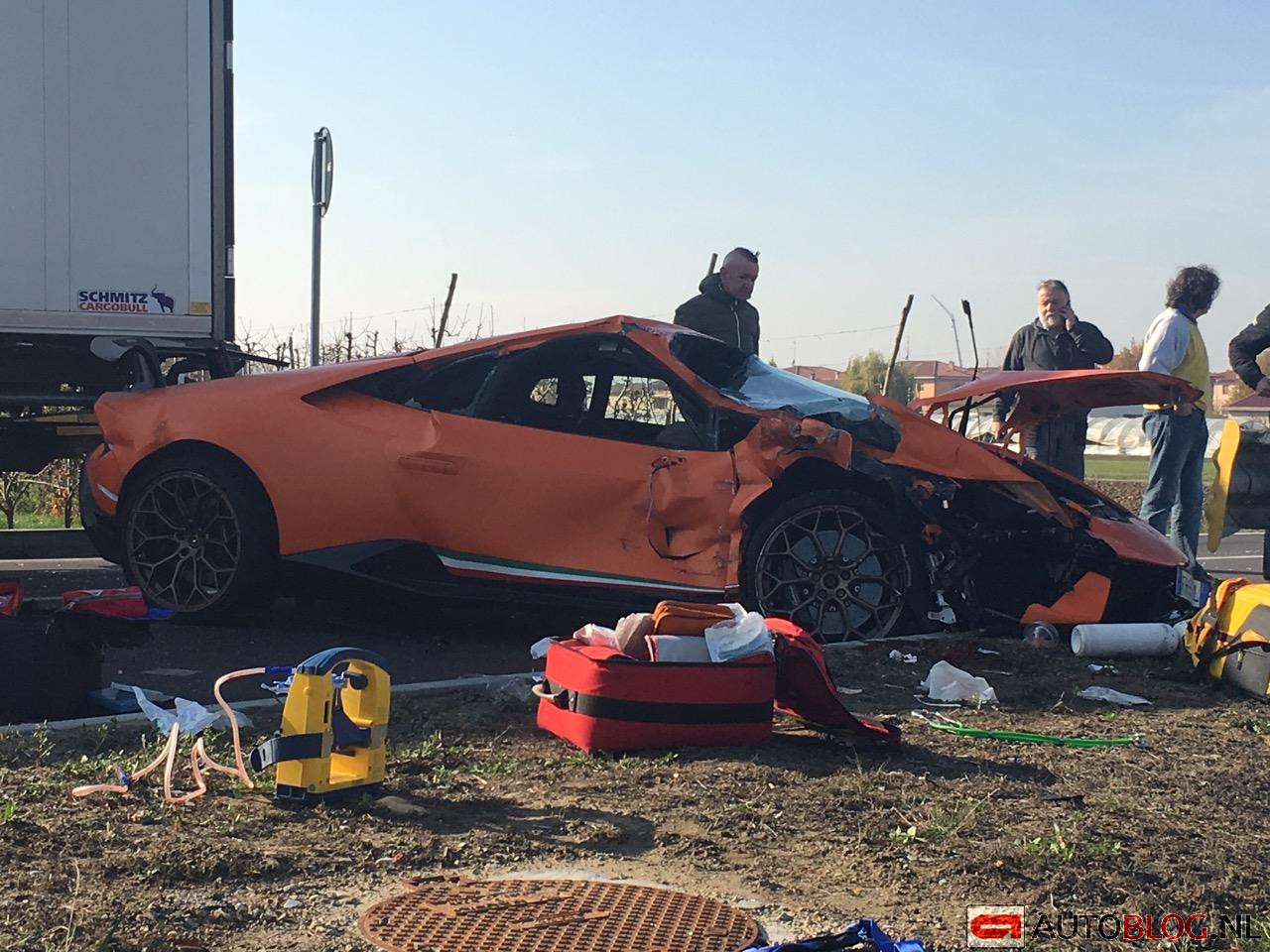 huracan performante crashed close to the lamborghini factory. Black Bedroom Furniture Sets. Home Design Ideas