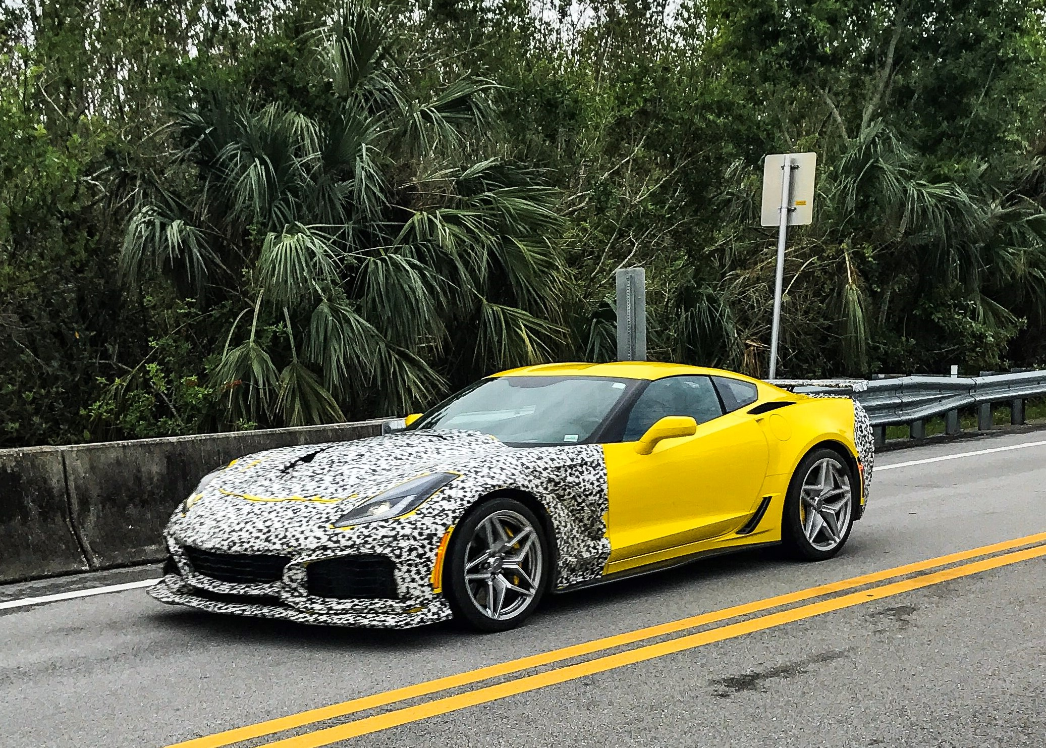 New Chevrolet Corvette Zr1 Convertible Spotted Testing Already