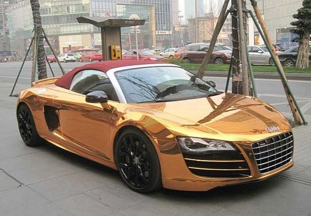 Photo: Rose Gold Audi R8 Spyder Is Awful!