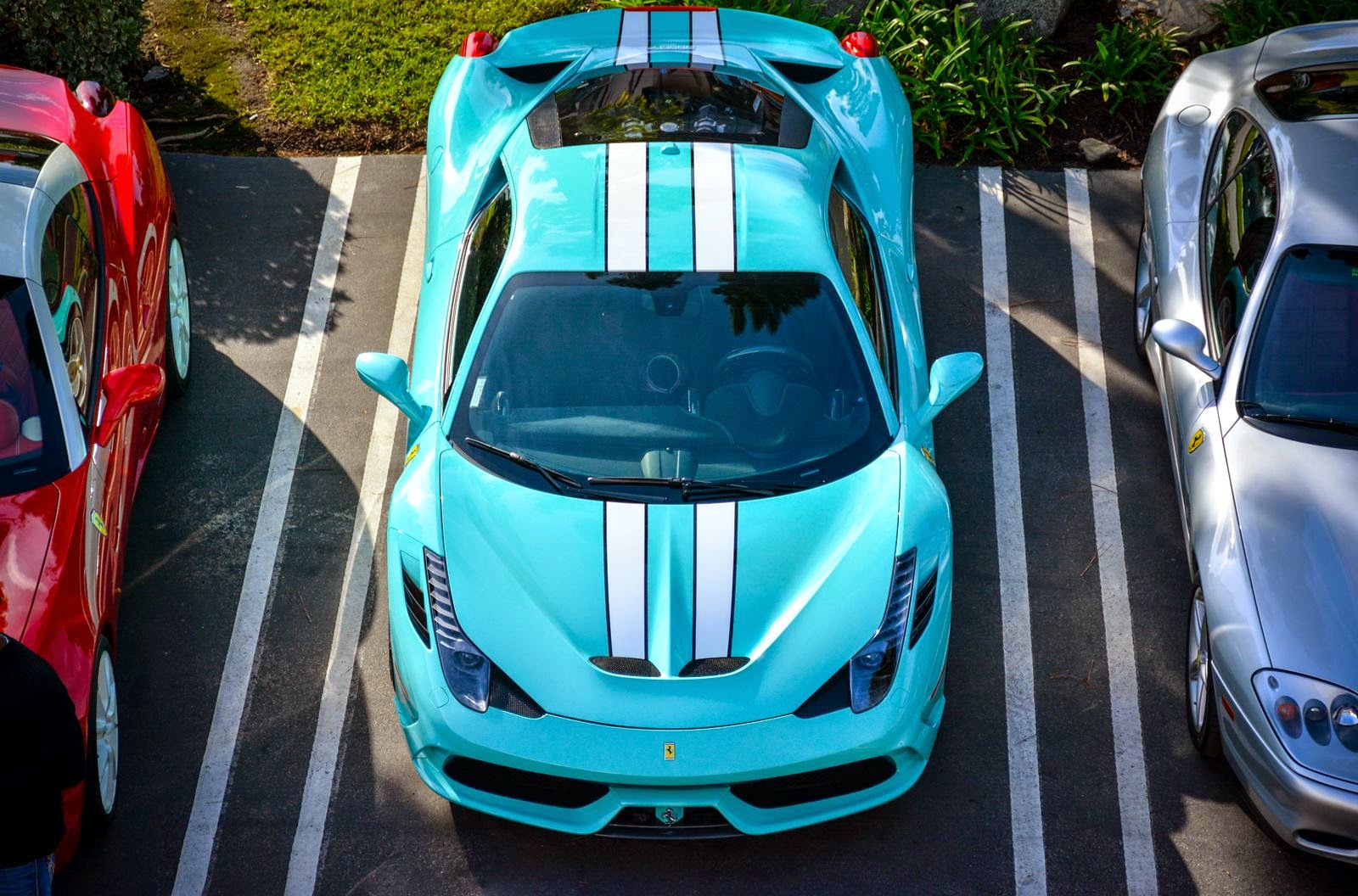 Tiffany Blue Ferrari 458 Speciale Looks Fantastic