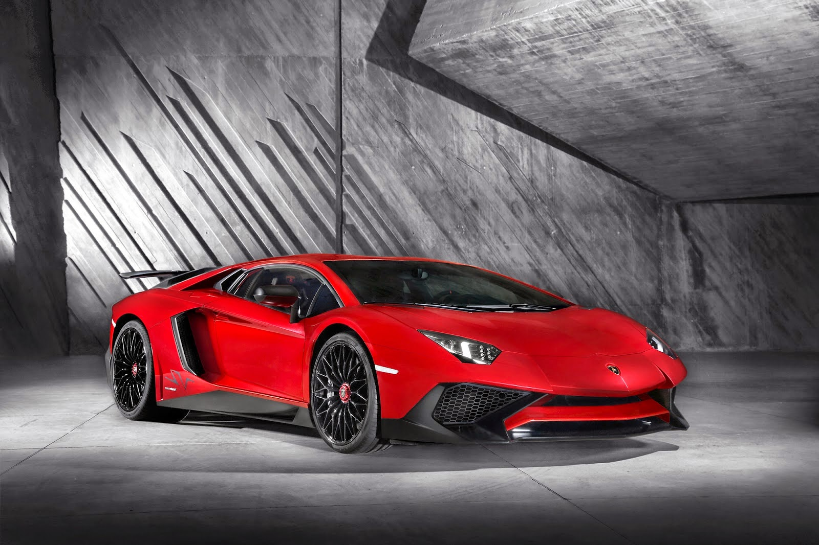 The Fastest Production Lamborghini Ever Aventador Lp750