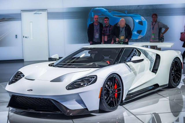 2017 ford gt pushes out 647 hp has 347 km h top speed. Black Bedroom Furniture Sets. Home Design Ideas