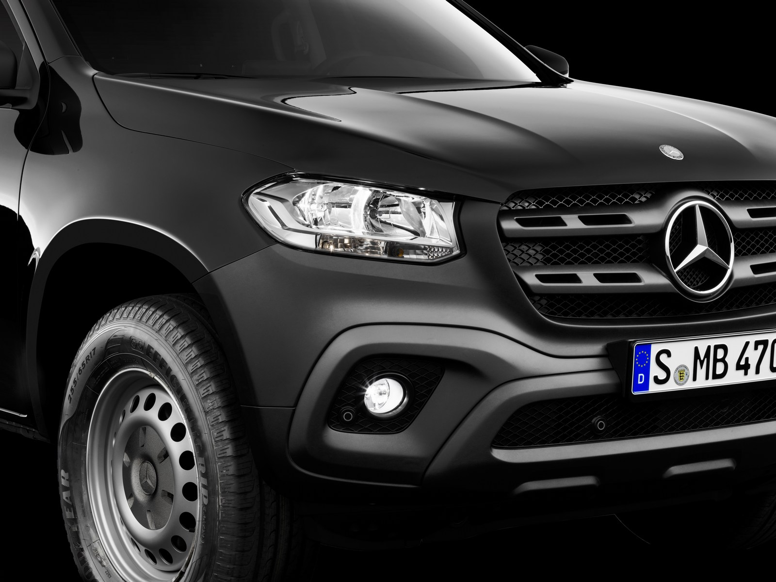 the mercedes benz x class 39 bakkie 39 is finally official. Black Bedroom Furniture Sets. Home Design Ideas