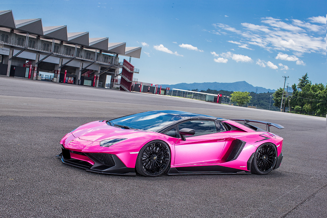 Mclaren Kit Car >> Hot Pink Lamborghini Aventador SV Gets Liberty Walk Kit