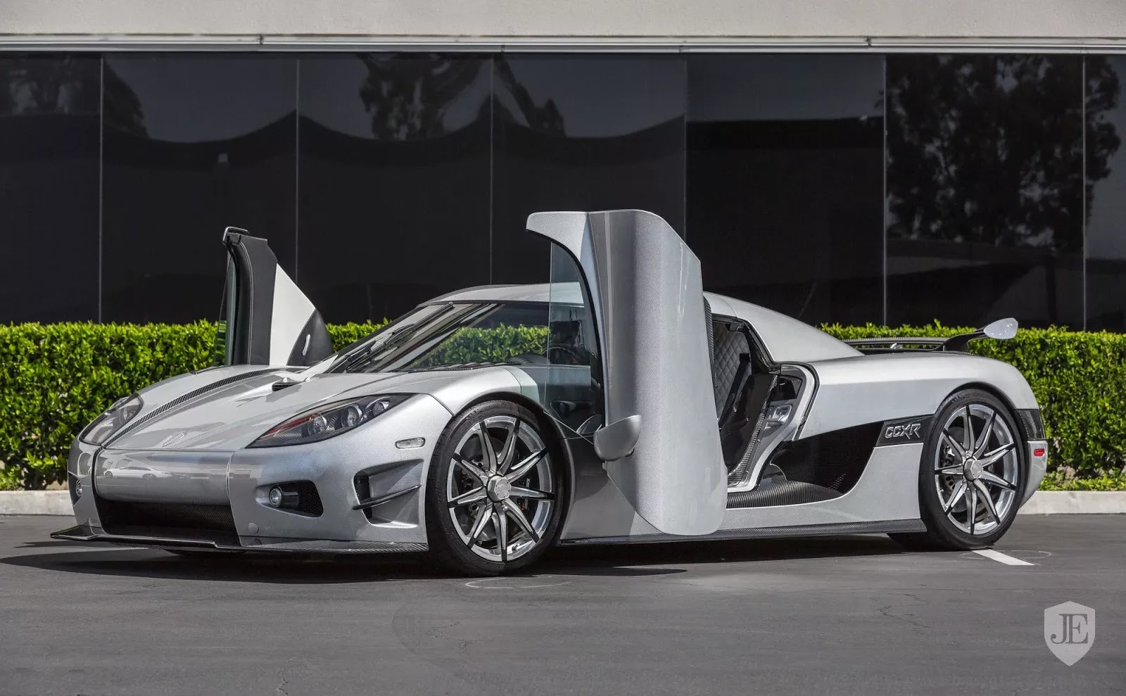 Build A Dodge >> Koenigsegg CCXR Trevita Owned By Mayweather Up For Sale Again