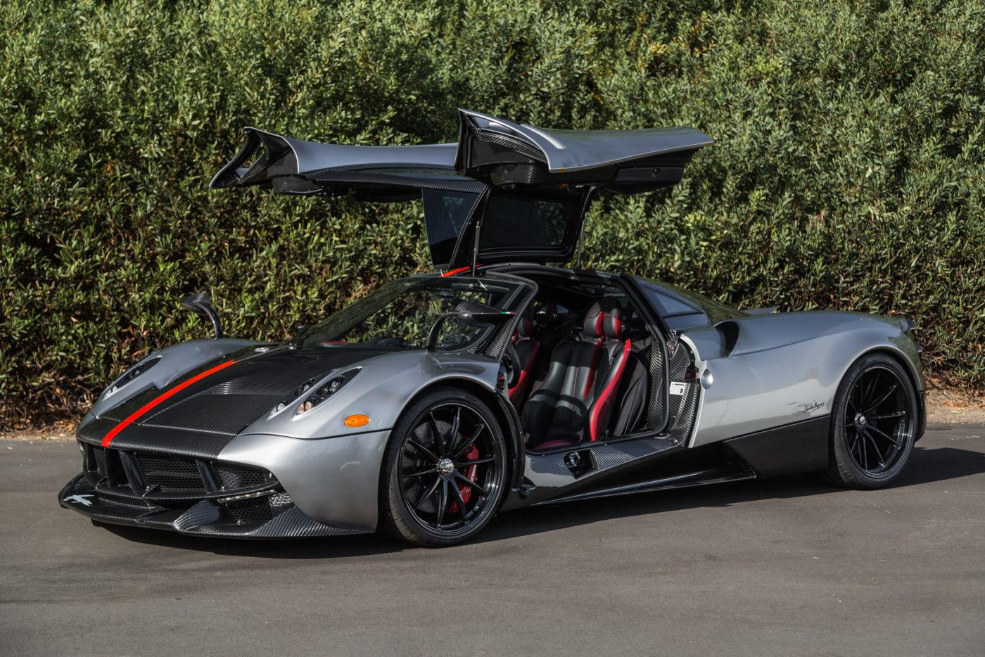 Bugatti Chiron and Pagani Huayra Bought With Bitcoin