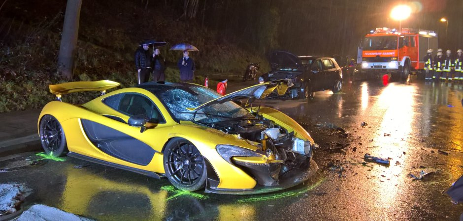 Buy Wrecked Car >> McLaren P1 Crashed In Germany Injuring Two