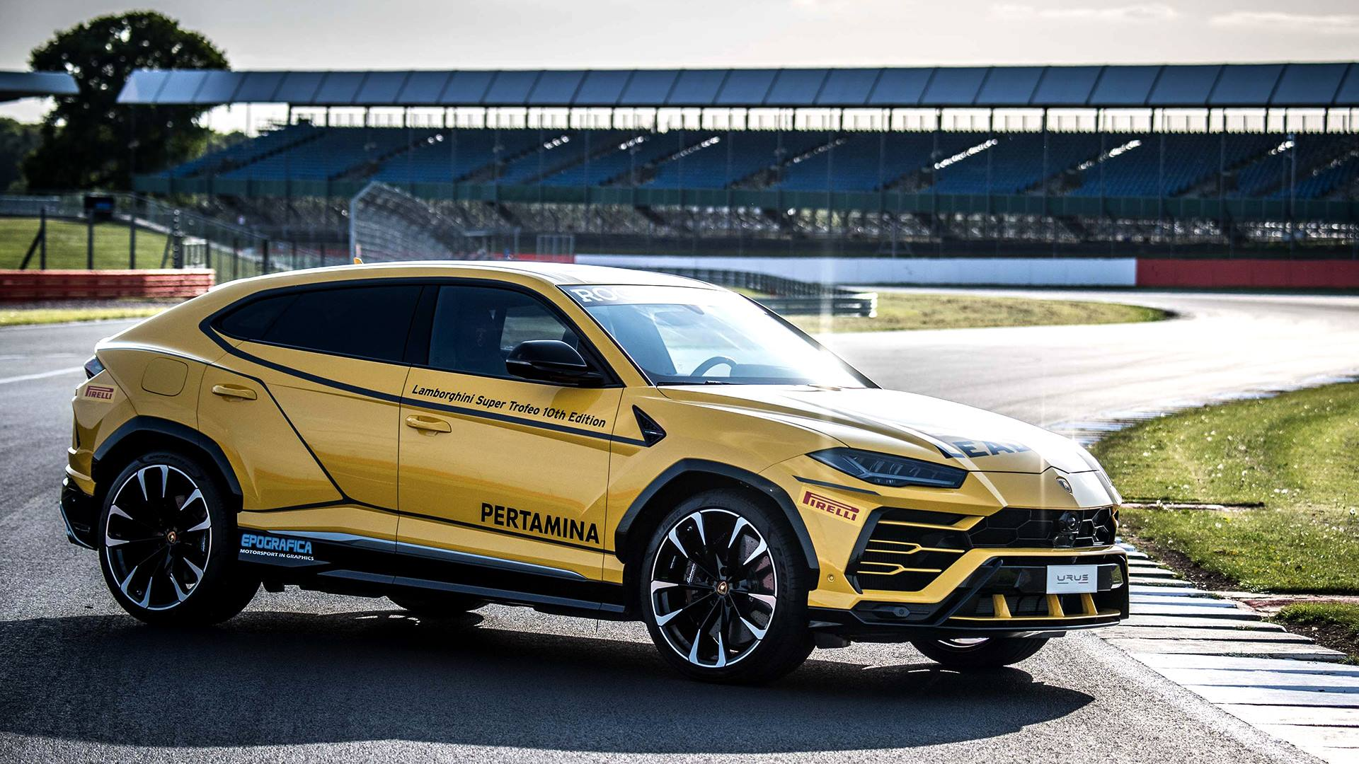 Mustang Kit Car >> Lamborghini Urus Looks Ready To Lead The Super Trofeo Series