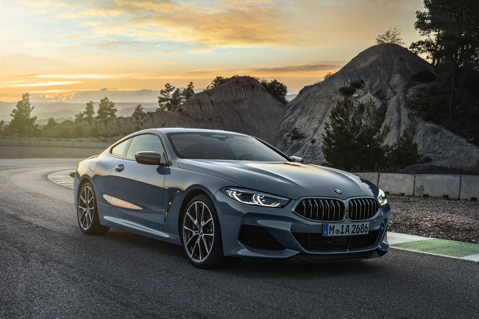 the new bmw 8 series coupe finally revealed with superb. Black Bedroom Furniture Sets. Home Design Ideas