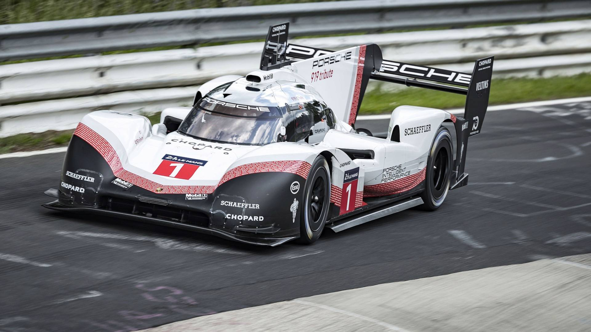 the porsche 919 hybrid just demolished the nurburgring record with 5 19 lap. Black Bedroom Furniture Sets. Home Design Ideas