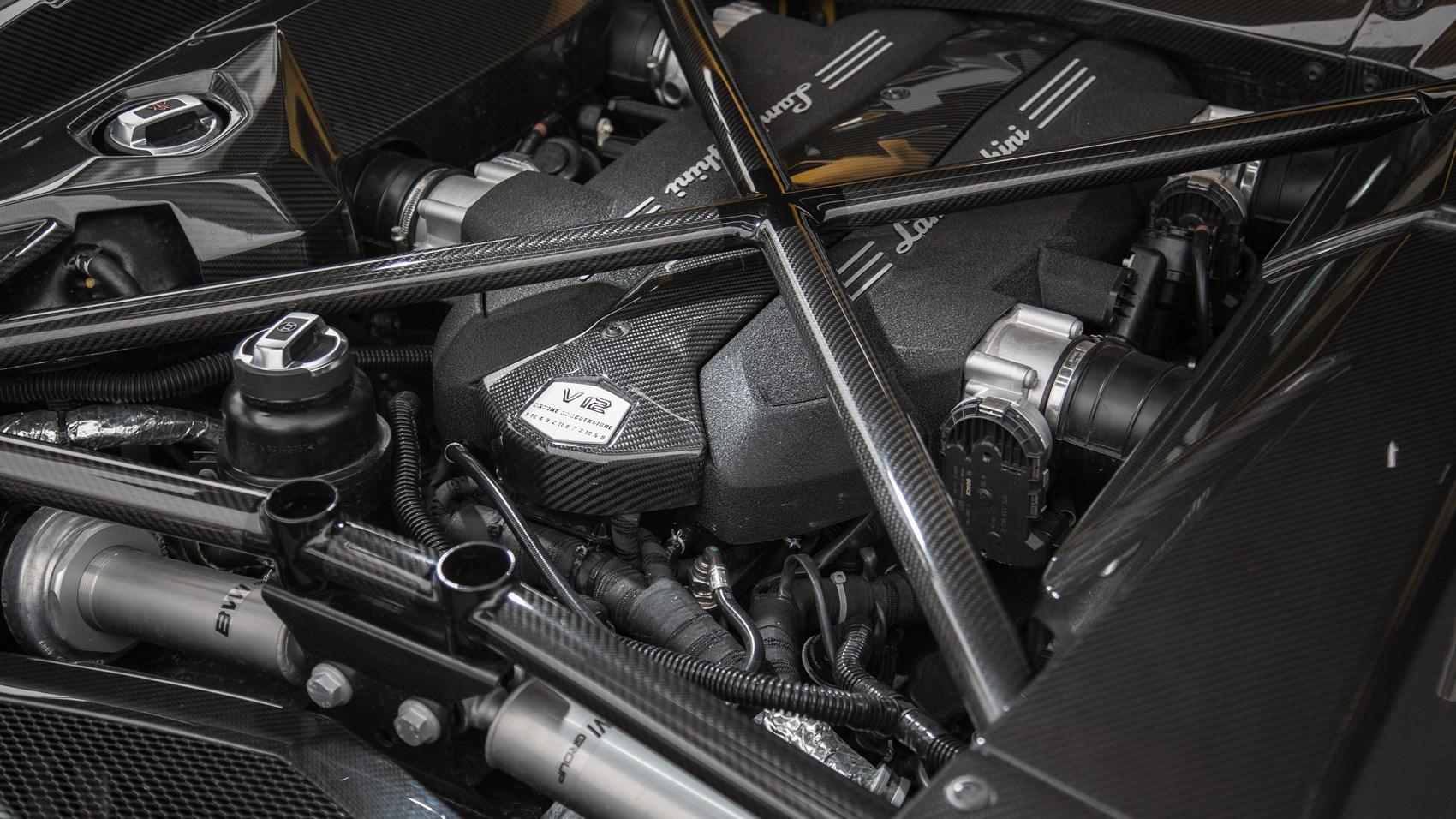 Lamborghini To Keep Its Normally Aspirated V10 And V12