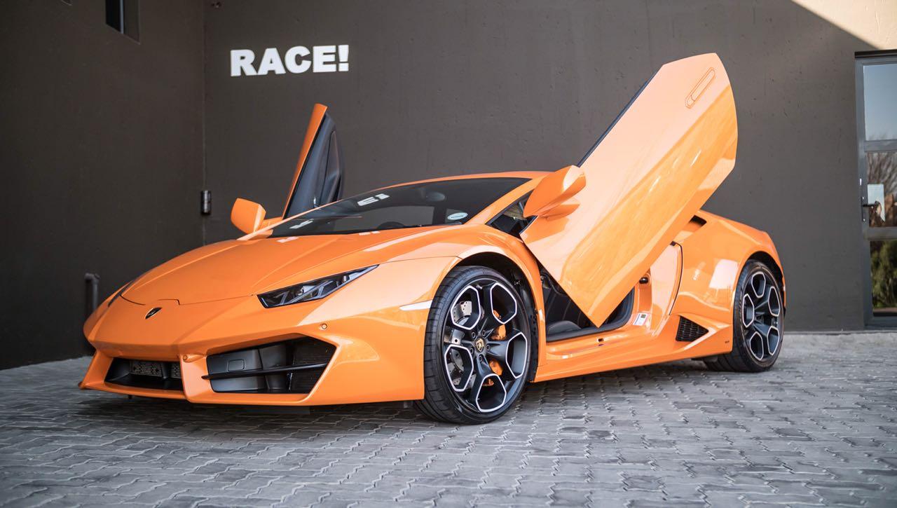 Local Lamborghini Huracan Given Proper Lambo Scissor Doors