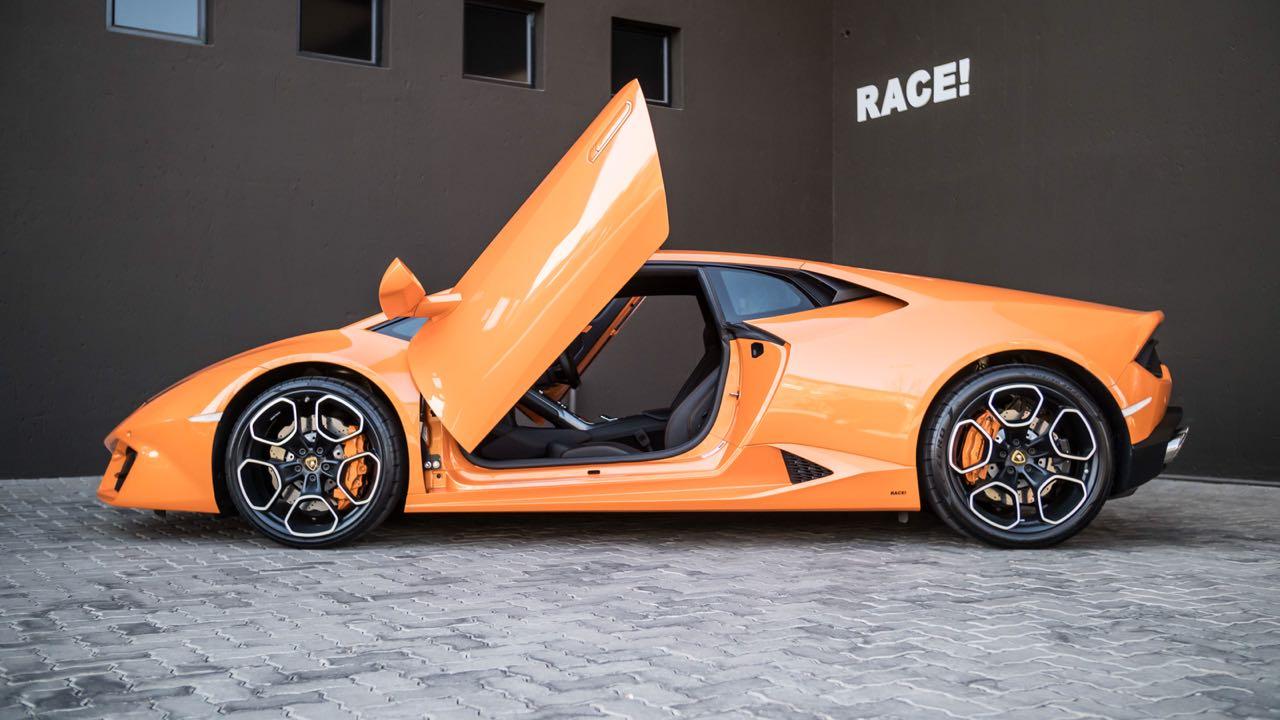 Lamborghini Aventador Roadster >> Local Lamborghini Huracán Given Proper Lambo Scissor Doors
