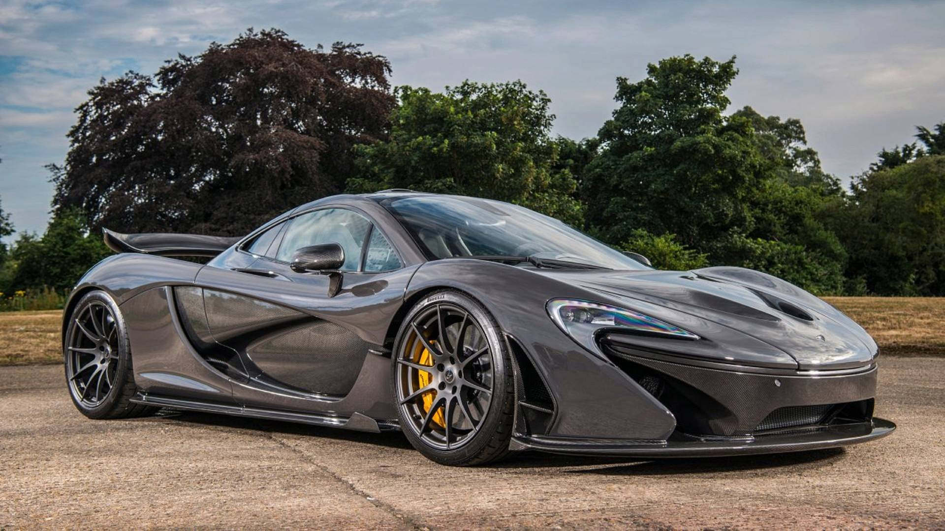 jenson button s mclaren p1 for sale with just 887 km on the clock. Black Bedroom Furniture Sets. Home Design Ideas