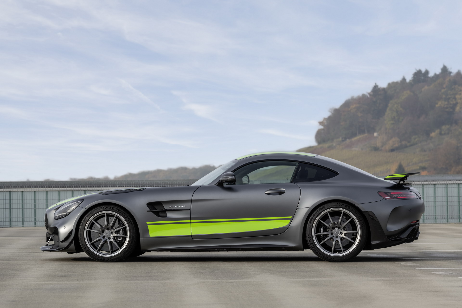 mercedes amg gt black series still coming. Black Bedroom Furniture Sets. Home Design Ideas