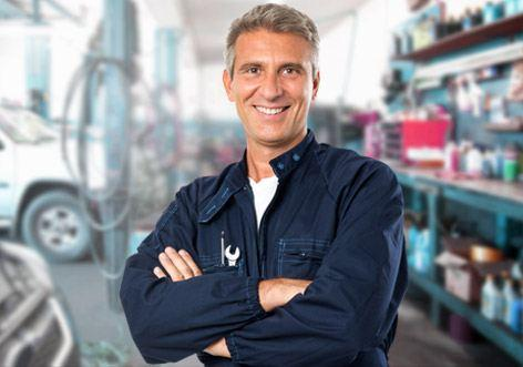 mechanic Max Polyakov