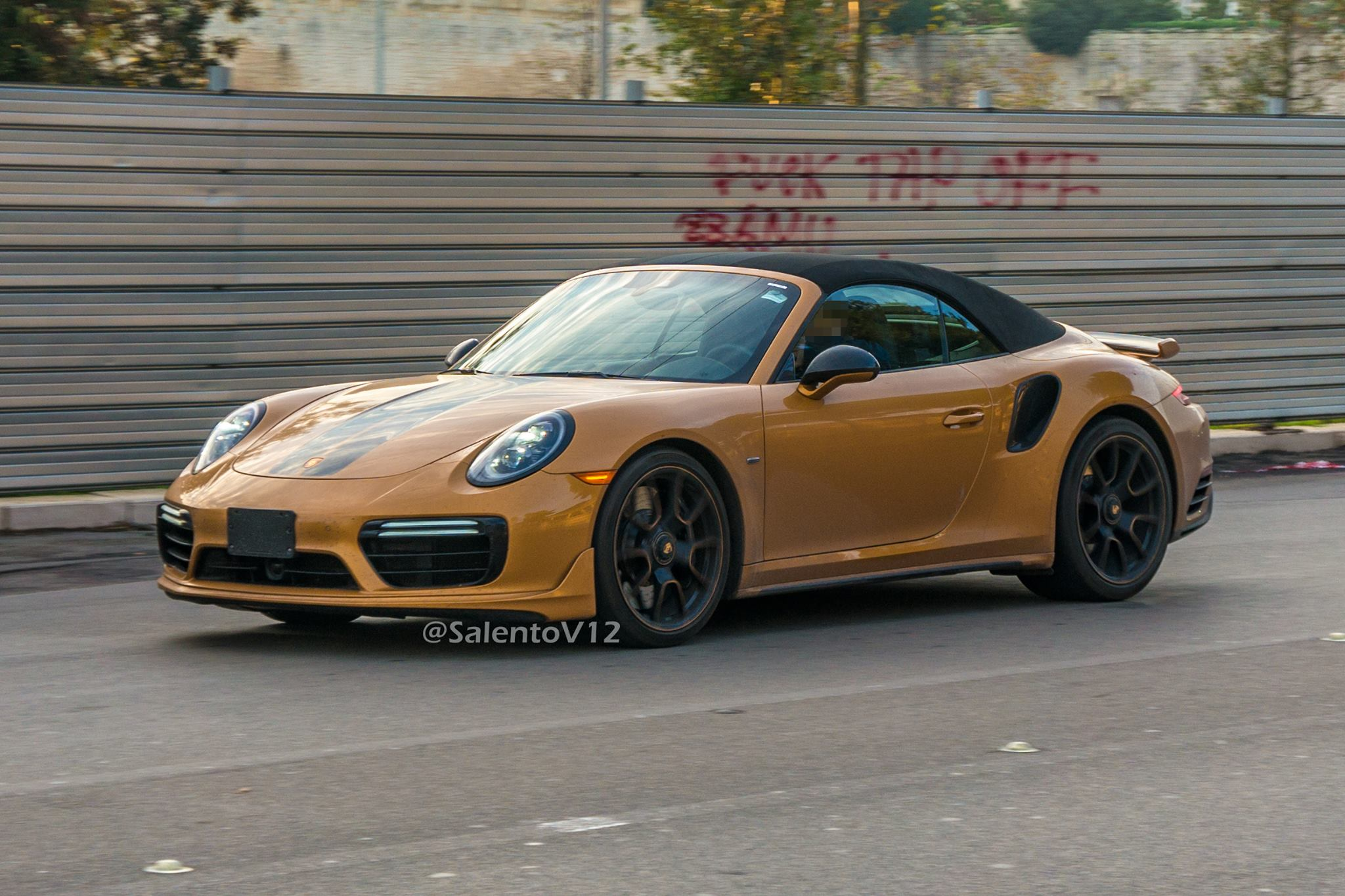 porsche 911 turbo s exclusive series cabriolet spied. Black Bedroom Furniture Sets. Home Design Ideas