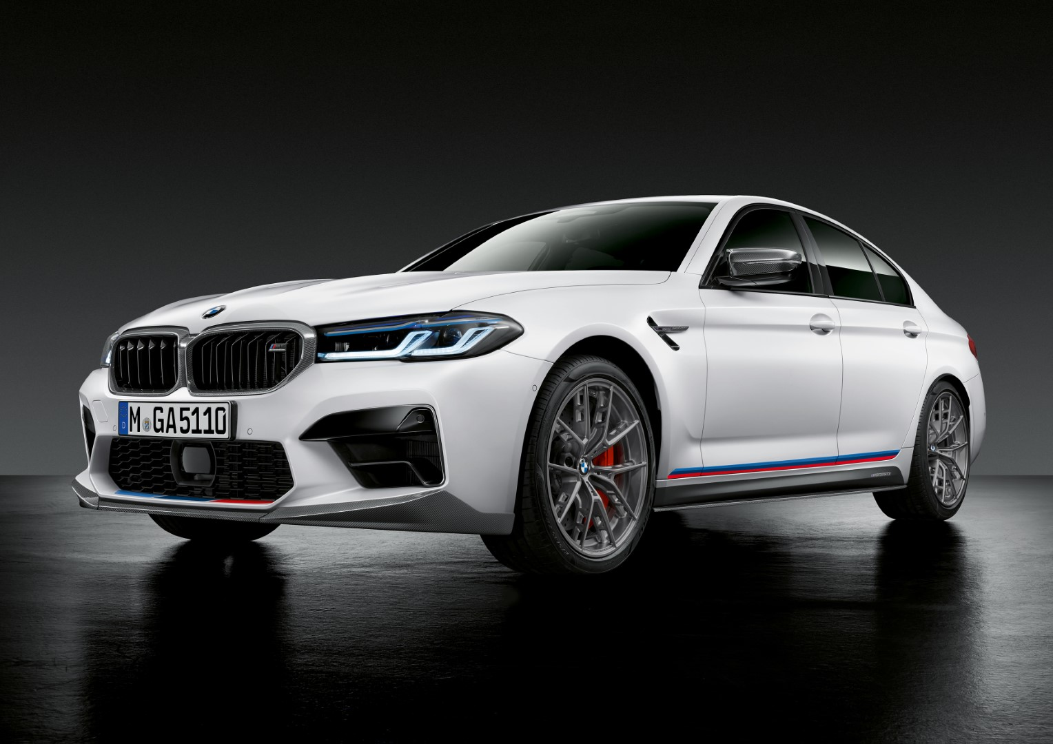 Bmw Reveals M Performance Parts For Lci M5
